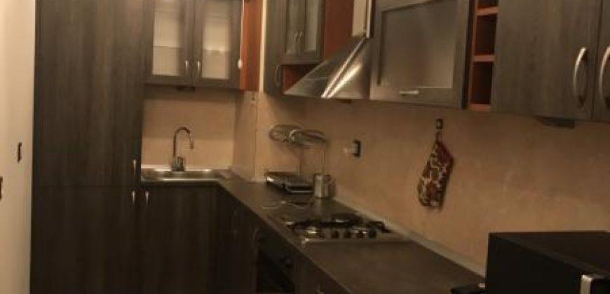 Тристаен апартамент в кв.Дървеница