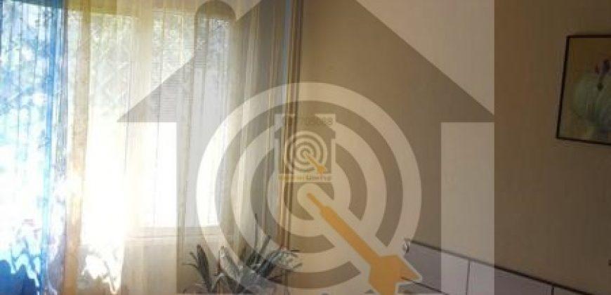 Тристаен апартамент в Люлин 10