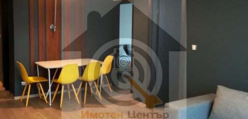 Тристаен апартамент в Студенстки град