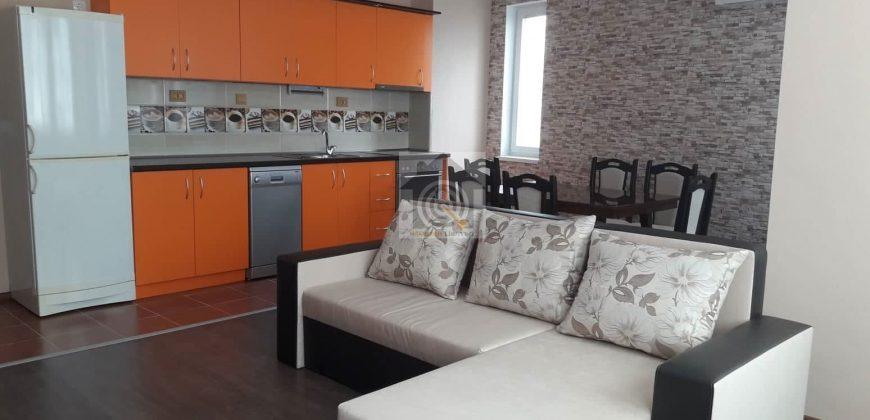 Тристаен апартамент под наем в Студентски град