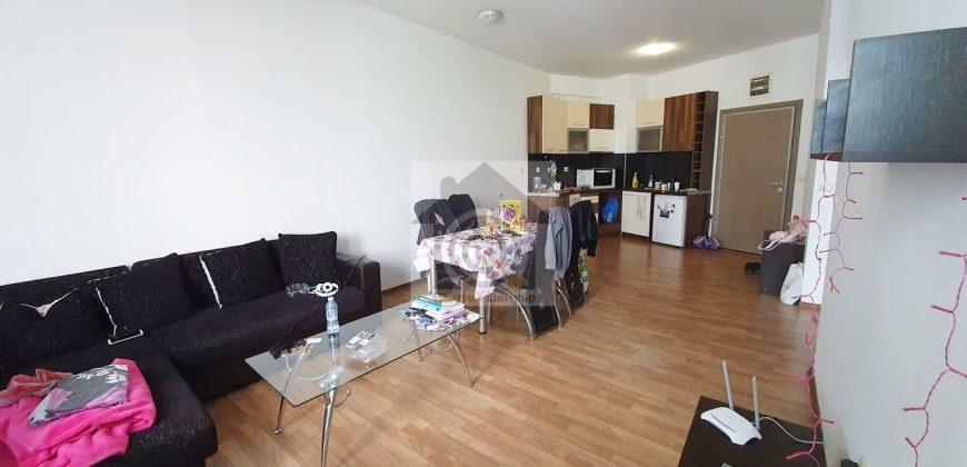 Двустаен апартамент в Студентски град