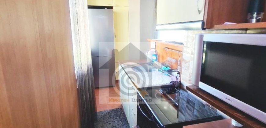 Тристаен апартамент под наем в квартал Фондови жилища
